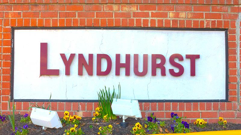 The entrance sign to Lyndhurst Condos in Fairfax VA